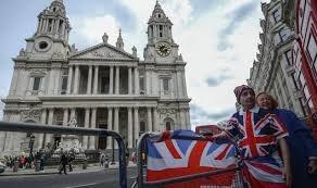 Инфляция  в Великобритании вернулась в отрицательную плоскость