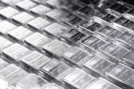 Серебро продолжает копировать динамику золота