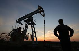 Нефть растет в надежде на сокращение объемов производства