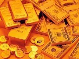Золото ослабляется из-за нефти и волатильности
