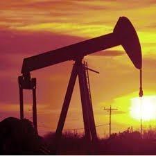 Нефть растет, на фоне снижения доллара и производства