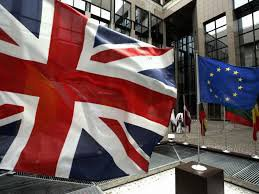 В случае Brexit –а фунт обвалится, а доллар – взлетит
