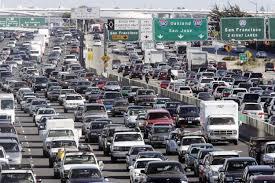 Американцы проводят за рулем 300 часов в год
