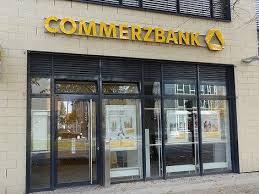 Прибыль Commerzbank за квартал просела на 200%