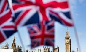 Инвесторы выводят деньги из Британии