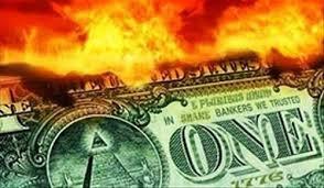 Наибольший риск, которым грозит обвал доллара