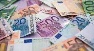 Евро зарегистрировал самый продолжительный период роста против доллара за 5 лет