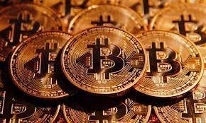 Почему биткоин растет?