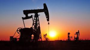 Нефть держится на 3-недельном минимуме