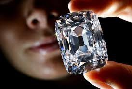 Первая в мире алмазная биржа появилась в Индии