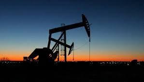 Нефть колеблется после урагана «Харви»