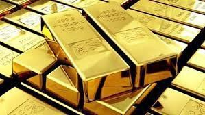 Золото достигло 12-месячного максимума