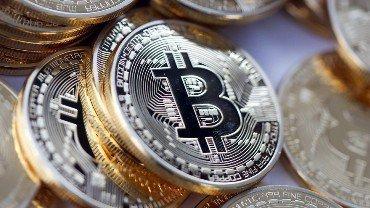 Мировым центробанкам следует всерьез задуматься о криптовалютах