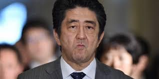 Абэ выиграл выборы, но не получил одобрения японцев