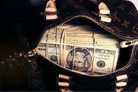 На долю 1% самых богатых людей планеты приходится 50% мировых капиталов