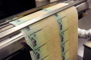 Казначейские облигации падают, доллар растет