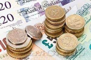 Фунт упал, опасаясь экономических последствий