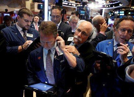 Почему обвалился фондовый рынок?