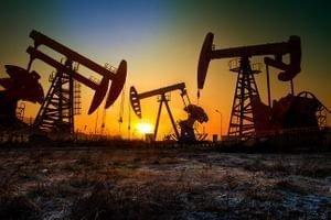 Нефть растет после отчета о снижении запасов в США