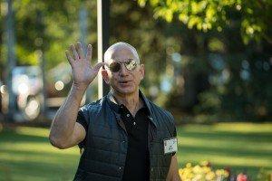 Джефф Безос сдвинул Билла Гейтса с вершины рейтинга Forbes
