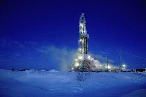 Нефть держится вблизи максимумов 2014-го
