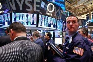 Акции потеряют 30-40% из-за волатильности процентных ставок