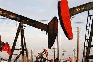 Нефть выросла после сокращения запасов
