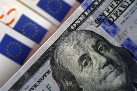 Доллар вырос до 6-месячного максимума против евро