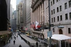 Фьючерсы на Dow Jones упали на более чем 150 пунктов