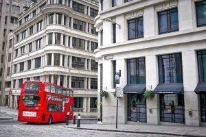 Банк Англии сохранил ставки без изменений