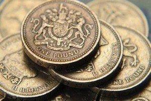 Фунт может вырасти против евро и доллара
