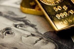 Чтобы победить в торговой войне, следует покупать доллар, а не золото