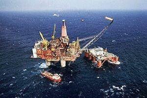 Нефть падает, так как США усугубили торговую напряженность