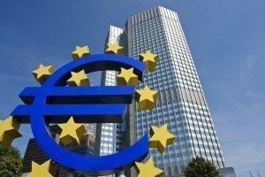 Евро ждет помощи от ЕЦБ
