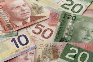 Канадский доллар будет расти против фунта и доллара США