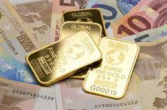 Золото просядет, а доллар будет расти в 2018 году