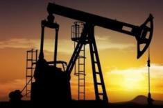 Нефть держится на прежних отметках