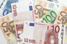 Евро растет, так как ЕЦБ отмечает сужение рынка труда